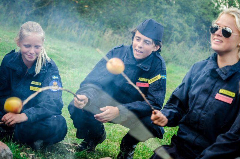 Grundkursen grillar korv på Kungsholmen 2014